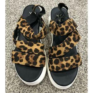Yoki White Wedge Sandals Leopard Print 6.5 Chunky